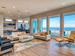 Immaculate Designer Masterpiece | Direct Oceanfront | Hot Tub & Elevator