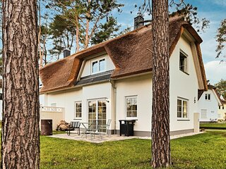 Stunning home in Usedom with 2 Bedrooms (DMU168)