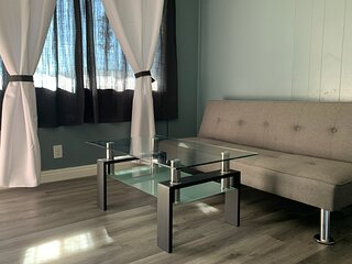 Monthly Rent 1Bed/1Bath Apartment