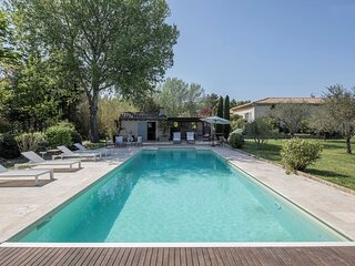 ENJOY THE OLD WORLD CHARM IN OUR LUXURY PROVENCAL RETREAT NEAR ST REMY