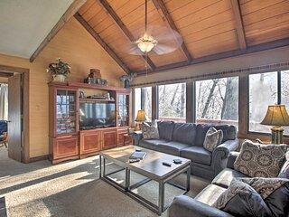 Wintergreen Home w/ Hot Tub, Deck & Mountain Views
