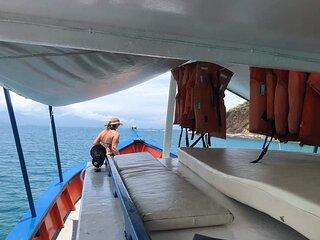 Passeio de Barco privativo em Paraty! Venha viver essa experiencia conosco.