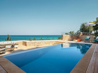 VinBlu Villa just a breath from the sea and the beautiful Agios Nikitas!