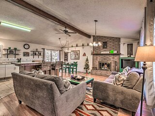 NEW! Charming Cabin, Walk to Midtown & Rio Ruidoso