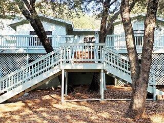 Julian Cabin 3 BR 3 Bath in Pine Hills See Deer, Turkey, Oaks and Pines Pets ok