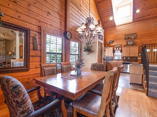 Cozy Country Cabin - Just off of Branson's Famous 76 Country Blvd!