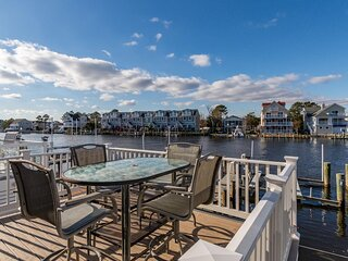 Sunset Harbour 14127B - Beautiful Water Views, Private Dock/Boat Slip!
