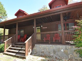 Two Cubs Cabin - Gorgeous Log Cabin with Hot Tub, Fire Pit, and Pool Table - 20