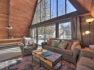 NEW! Cozy A-Frame w/ Pool Table: 8 Mi to Mt. Snow!