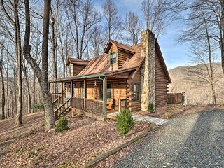 NEW! Chestnut Acres: Cabin w/ Hot Tub + Mtn Views