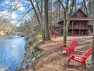 NEW! Waterfront Coosawattee River Resort Retreat!