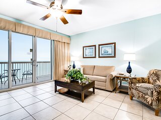 Newly-renovated waterfront condo w/ shared pools, gym, & beach access
