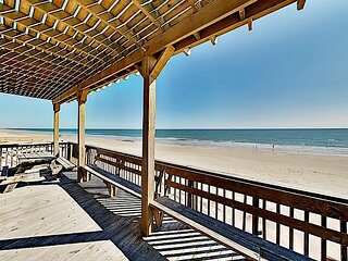 Beachfront Driftwood Dunes | Private Walkway, Gulf Views & Grill | Near Town