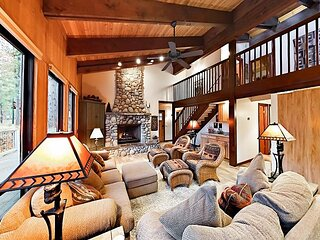 Bright Northstar Home on Golf Course | Private Hot Tub | Near Ski Slopes