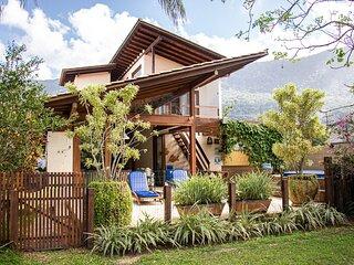 Casa Espetacular com Jacuzzi, Churrasqueira e WIFI