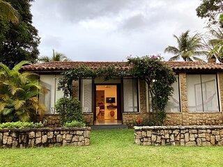 Casa linda com Wi-Fi a poucos metros da Praia