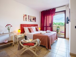 Scarlet room: nice room near the airport and 15 min from Poetto Beach!