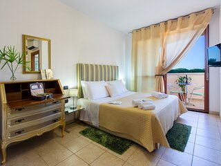 Jade room: nice comfortable room with bathroom en-suite near the airport!