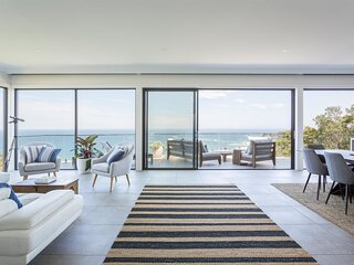 Luxurious Designer Home With Sweeping Ocean Views