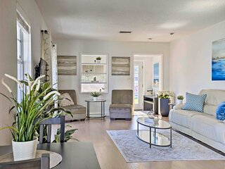 New! Sunny & Walkable Davis Islands Urban Oasis!