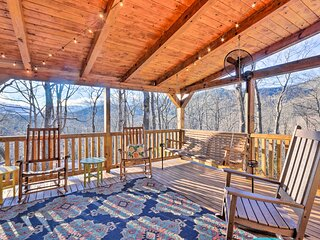 NEW! Cozy Mountain View Cabin: 19 Mi to Asheville!