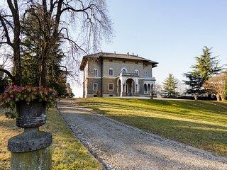 Cremella Villa Sleeps 26 with Pool - 5832166