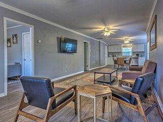 NEW! Cozy Pensacola Duplex ~ 3 Mi to Beach & Park