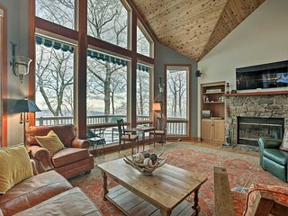 Wintergreen Family Ski Retreat w/ Fireplace & View