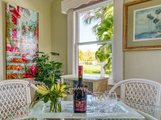 Sweet Retreat in the Oldest City-Walk to Downtown Attractions, Balcony, Garden P