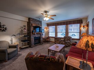 3 Br- Sleeps 7 with Jetted Tub