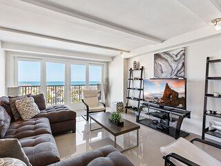 Panoramic view of the ocean! Beachfront resort. Pet Friendly