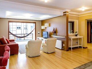 Espaço e conforto, 3 quartos, no centro de Gramado