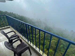 Cliff side villa Kodaikanal  for friends and family