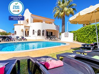 WONDERFUL 4 BEDROOM VILLA, IN GALE, W/ PRIVATE POOL, AC, BBQ, CLOSE TO ALL AMENI
