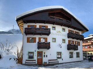 Bachlaufen Haus - Dolomites