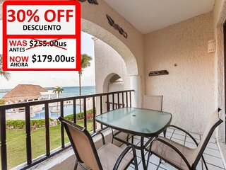 A condo in front of Playacar beach and walking distance from the Ferry to Cozume