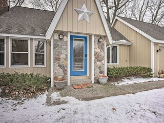 NEW! Charming Holland Home < 1/2 Mi to Lake Macatawa