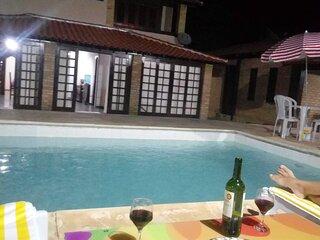 Bela casa de  temporada com uma bela piscina e mar, num local muito aprazivel,