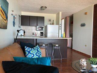 Haciendas del Club beachfront 1-305 1 br w/WiFi, full A/C, screens, laundry