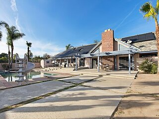 De Portola Villa & Tiny House | Private Pool & Spa | Sauna & Billiard Table