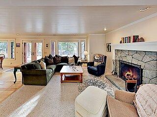 Tahoe Highlands Hideaway | Private 2-Car Garage, Fireplaces | Near Ski Area