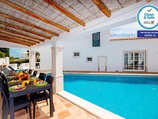 WONDERFUL VILLA WITH PRIVATE HEATABLE SWIMMING POOL, FREE WIFI, & AIR CON