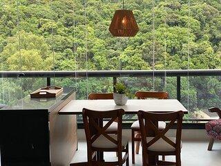 Apartamento em Pitangueiras, no Capitania Varam, a 50 metros da praia!