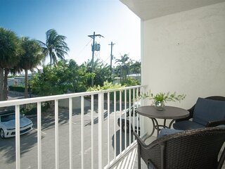 Coastal Feel updated 1bed 1bath Condo in Sombrero