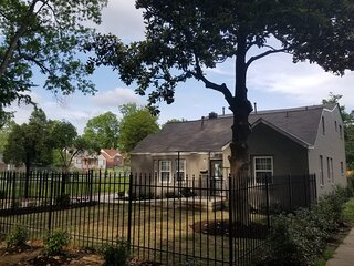 6BR/3BA Near Beale St. Sleeps up to 35 with 16 BEDS