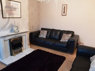 Beautiful 2-Bedroom House close to central Chester