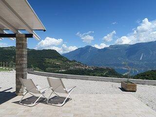 Oasi Da Vinci - nuovissimo appartamento trilocale, ampia terrazza vista lago