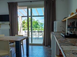 Oasi Da Vinci - nuovo appartamento bilocale, ampia terrazza vista lago di Garda