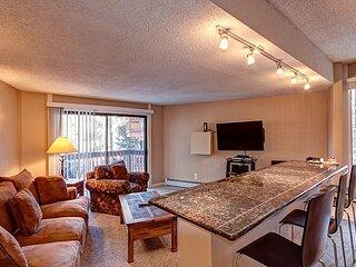 Peak 8 Village E36 Condo: Comfort & Value!