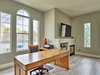 NEW! Bright, Modern Townhome: Parks, Shops & Eats!